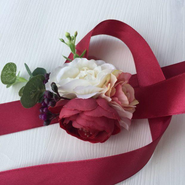 свадьба в цвете марсала образ невесты: браслет на руку