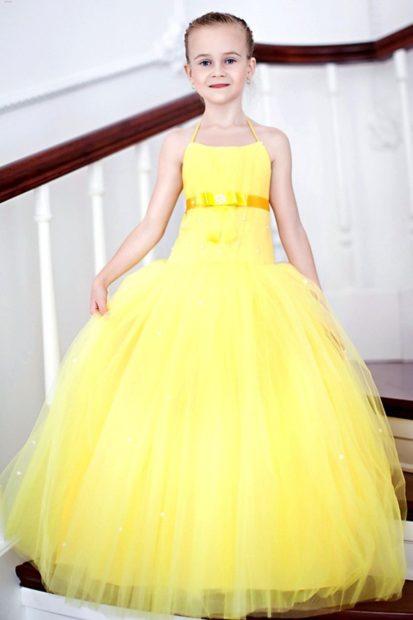 детская мода 2019-2020 для девочек: желтое платье нарядное пышное длина макси