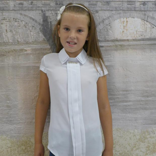 детская мода 2018: белая блузка с коротким рукавом