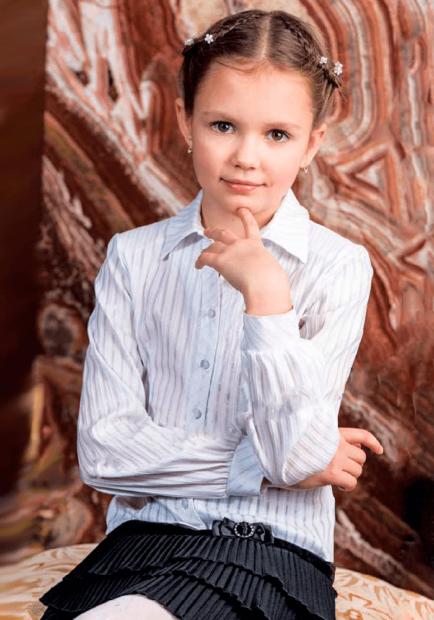 детская мода 2019-2020 для девочек: блузка бела в полоску с длинным рукавом