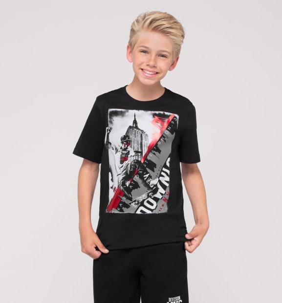 детская мода 2019-2020: черная футболка с рисунком