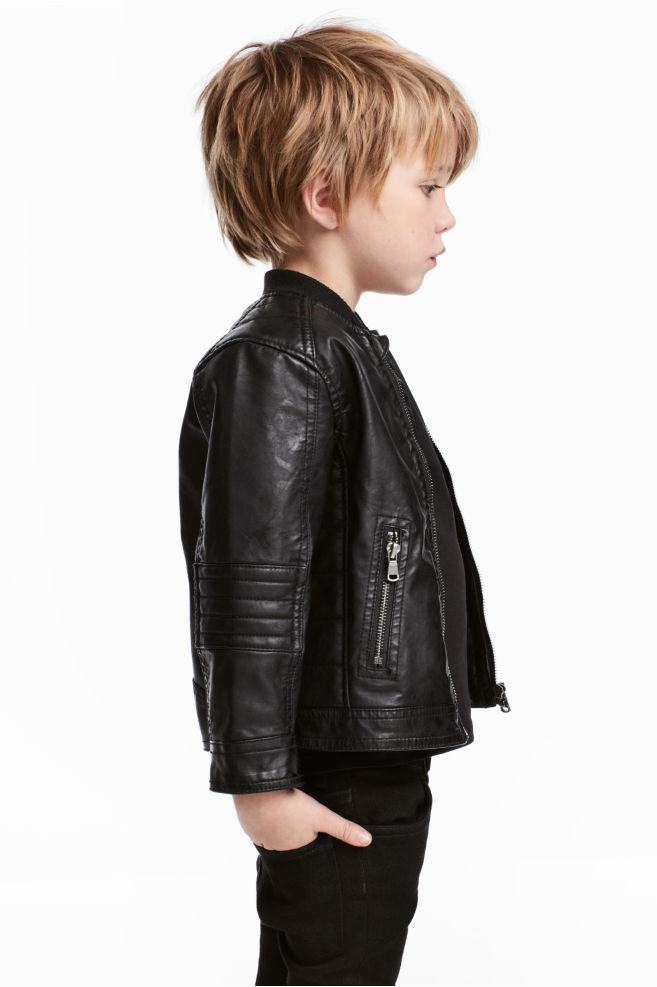 детская мода 2018: черная кожаная куртка