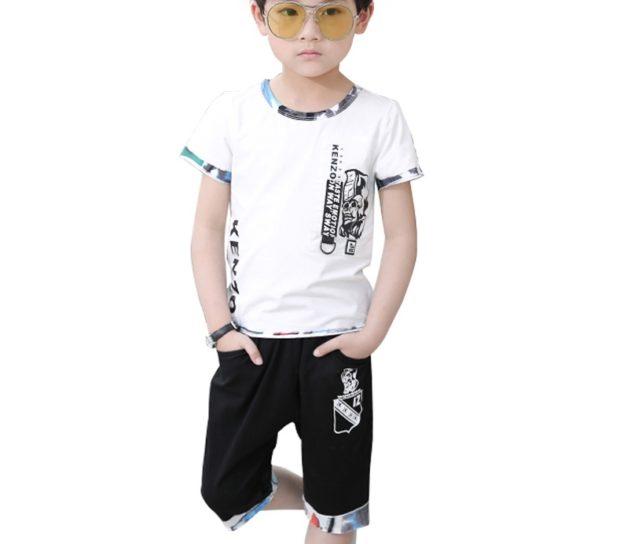 детская мода 2018: черные шорты белая футболка
