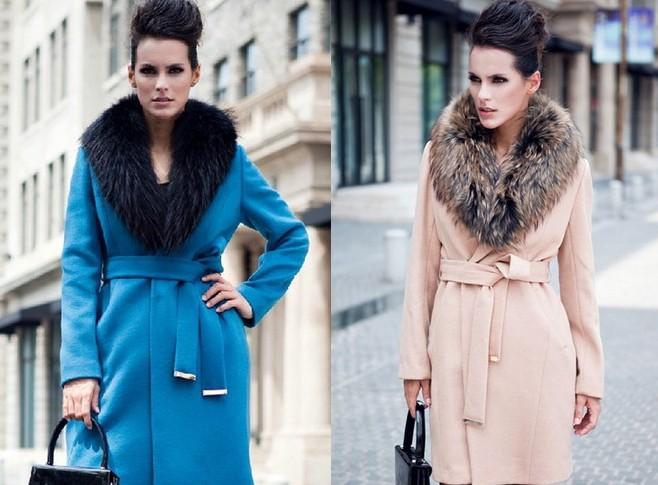 мода 2019-2020 года фото в женской одежде: пальто голубое бежевое с меховым воротником