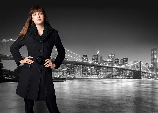 мода 2019-2020 года фото в женской одежде: черное пальто под пояс