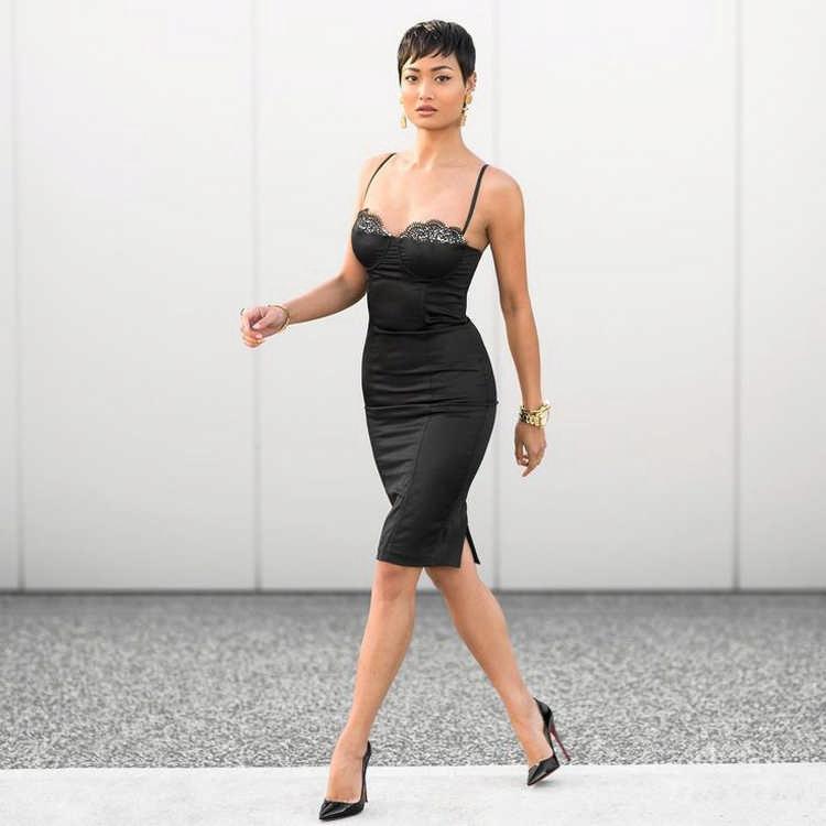 мода 2019-2020 года фото в женской одежде: черное платье бельевой стиль