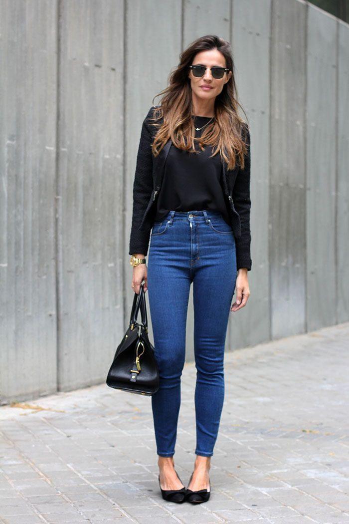 мода 2019-2020 года фото в женской одежде: джинсы синие классические