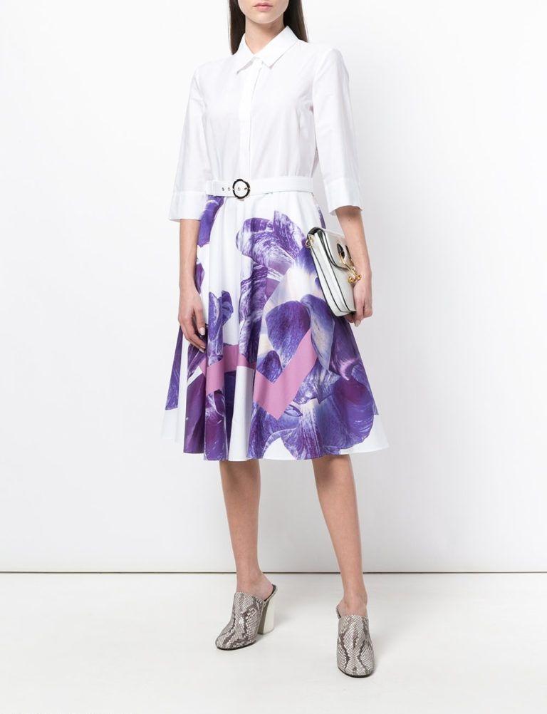 мода весна лето 2018 для женщин за 30: белое платье с фиолетовыми цветами
