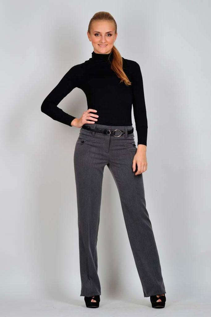 мода весна лето 2018 для женщин за 30: прямые серые брюки