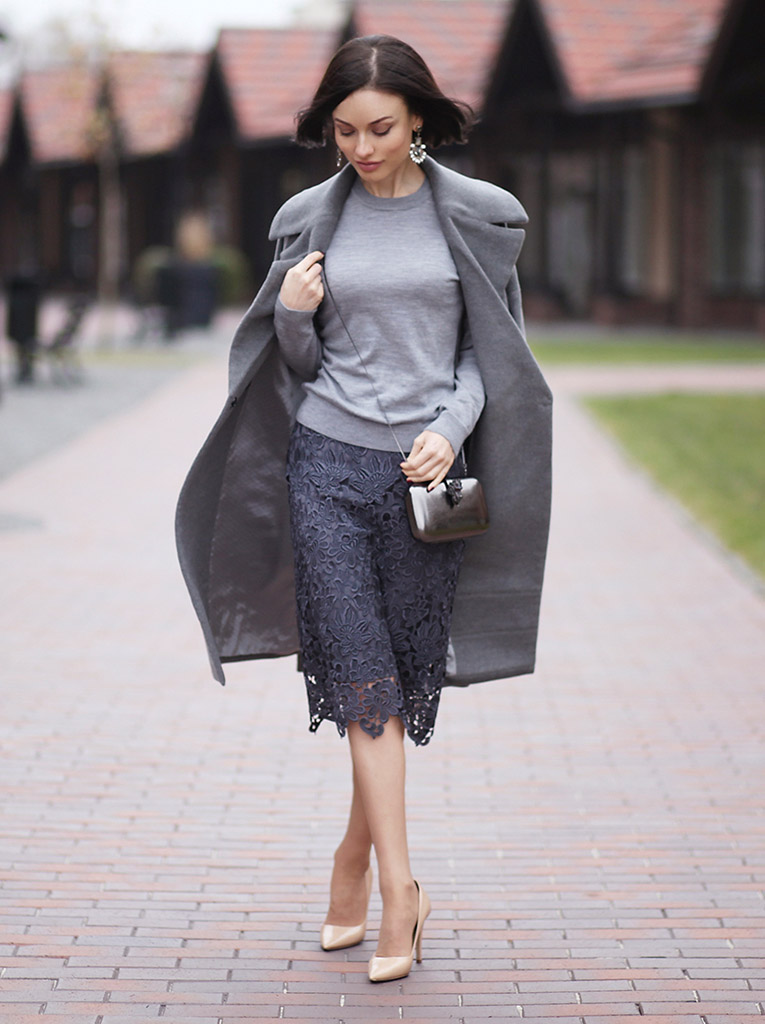 мода весна лето 2018 для женщин за 30: серая юбка ажурная