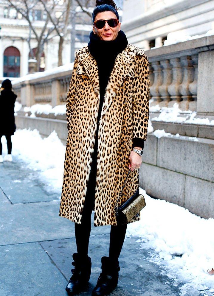 мода весна лето 2018 для женщин после 30: пальто в принт леопарда