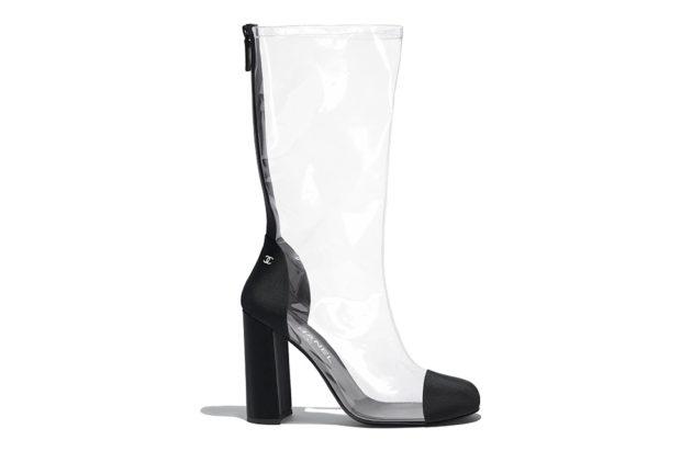 мода весна лето 2018 для женщин после 30: высокие пластиковые сапоги на каблуке