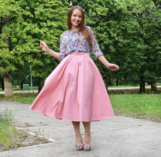 мода весна лето 2018 для женщин после 30: юбка широкая розовая